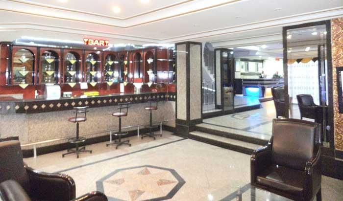 نمایی از بار هتل گرند اورال استانبول