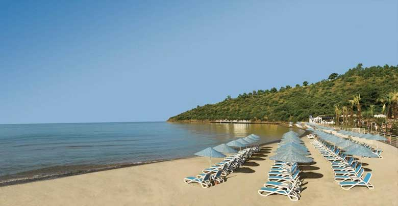 ساحل زیبای هتل پالوما پاشا ریزورت کوش آداسی