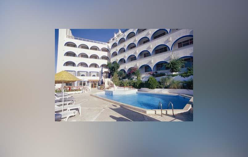 نمایی از استخر هتل ایکونت بدروم