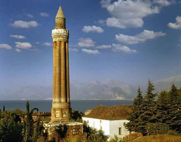 دیدنی های آنتالیا - Yivli Minare